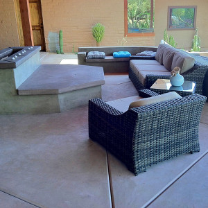 Decorative Concrete Patio with Benches/Firepit